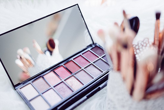 Want to Improve Your Content Marketing Analytics? How L'Oreal Is Using Content Marketing to Attract New Customers | Squirrly