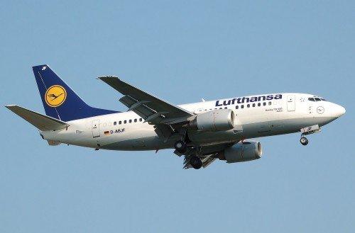 airplane-744863_1280
